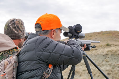 rifle hunting with sns outfitters